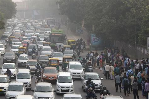 Pollution in India s cities draws residents back to rural