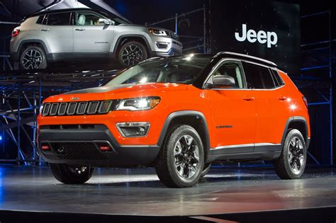 Jeep Car : New Jeep Compass Unveiled At La Auto Show