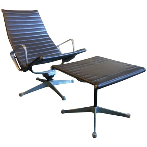 early vintage eames aluminum lounge chair and
