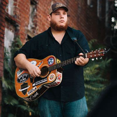 luke combs sexy luke combs biography history allmusic