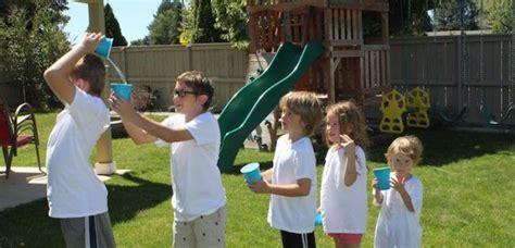 spiele garten kinder draussen team gruppenspiele wasser geburtstag pool