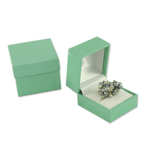 Tiffany Blue Color Jewelers ring box in Teal