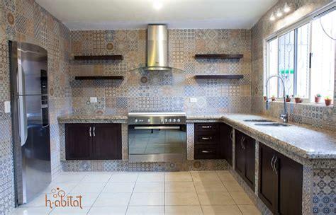 cocina moderna  azulejo vintage cocinas de estilo por