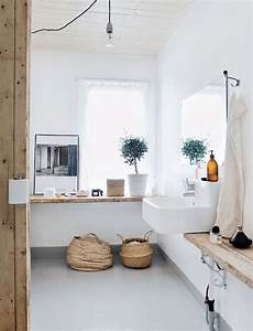 des plantes vertes dans la salle de bain frenchy fancy With salle de bain design avec cadre pour décoration cuisine