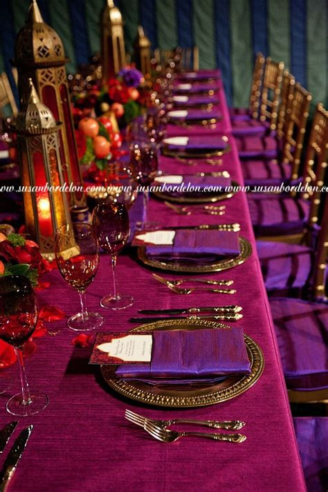 """I love how """"rich"""" this looks Wedding table themes"""