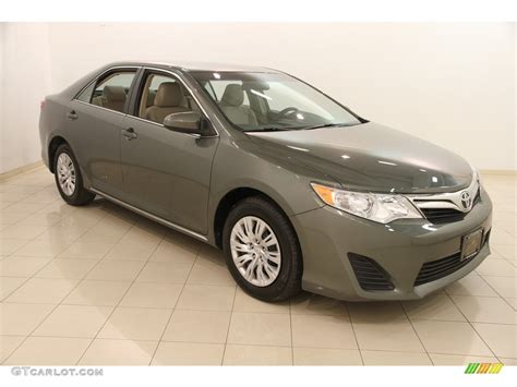 2014 Toyota Camry Colors by 2014 Cypress Pearl Toyota Camry Le 116919881 Gtcarlot