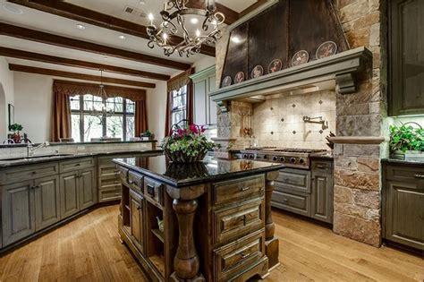 Luxury Kitchens With Dark Cabinets (design Ideas
