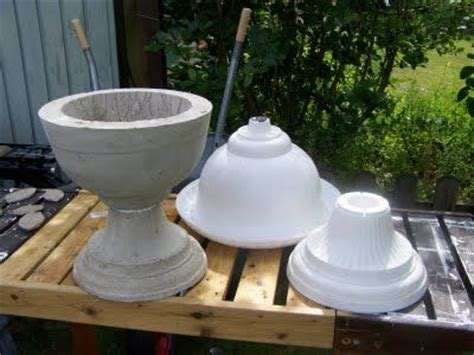 cheap plastic urn turned  concrete mold  nice