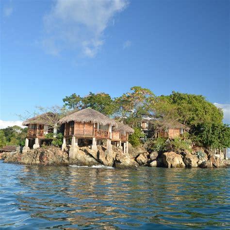 kitchen cart and island viaggi in africa madagascar maki lodge hirondelle