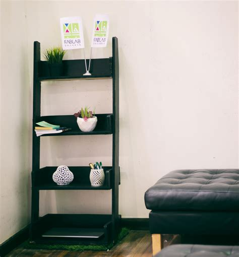 gorgeous diy ladder shelf plans  list mymydiy