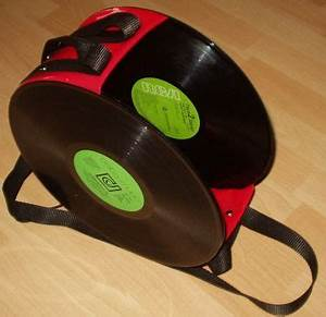 Schüssel Aus Schallplatte : tasche aus schallplatten basteln schaltplatten pinterest schallplatte ~ Markanthonyermac.com Haus und Dekorationen
