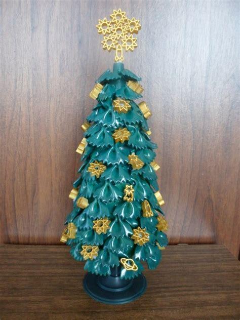 christmas crafts  kids making christmas tree