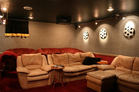 Decor set of pictures 5. 2020 Latest Home Theater Wall Art