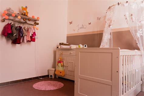 deco murale chambre bebe fille idée déco chambre bébé fille artdkids