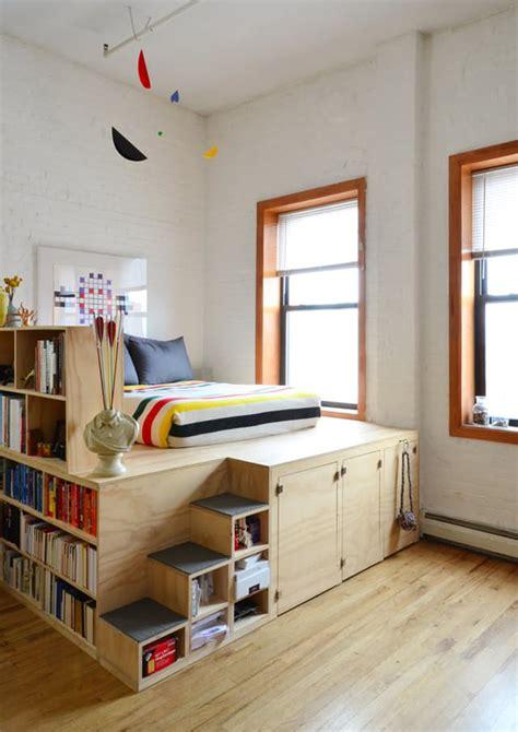 pedana letto letto su pedana idee salvaspazio per la da letto