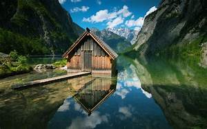 Daily Wallpaper: Bavarian Lake House