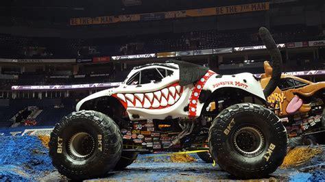 monster mutt truck videos monster mutt dalmatian monster trucks wiki fandom