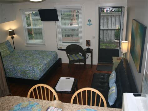 efficiency apartment   heart  wrightsville beach