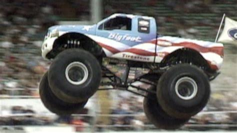 monster trucks video clips kids truck video monster truck doovi
