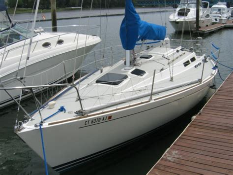 J Boats Sailing School by The J 30