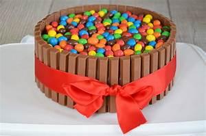 Gateau D Anniversaire : recette gateau kit kat birthday party cake ~ Melissatoandfro.com Idées de Décoration