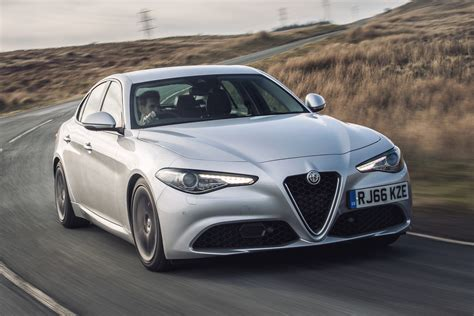Alfa Romeo Giulia Super Uk 2017 Review  Pictures Auto