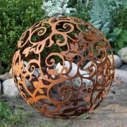 Boule Metal Deco Jardin by Un Objet En Fer Ou M 233 Tal Rouill 233 Peut 234 Tre La D 233 Coration