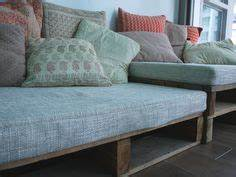 Pallet Couch Cushions on Pinterest Pallet Couch, Diy