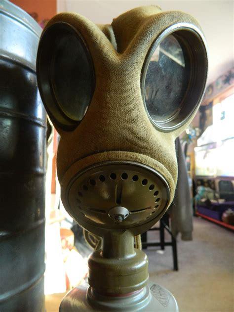 identify  gas mask