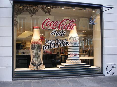 vitrine coca cola gratuit coca cola light vitrine colette jean paul gaultier by rosbeef promotion event