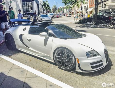 The first 40 cars are reserved exclusively for current bugatti customers with the exception of the first car that was auctioned off at the gooding auction on 17 august 2008 with all. Bugatti Veyron 16.4 Grand Sport Vitesse L'Orque Blanc - 14 June 2016 - Autogespot