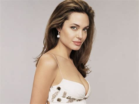 Angelina Jolie Hot Pictures Photo Gallery And Wallpapers