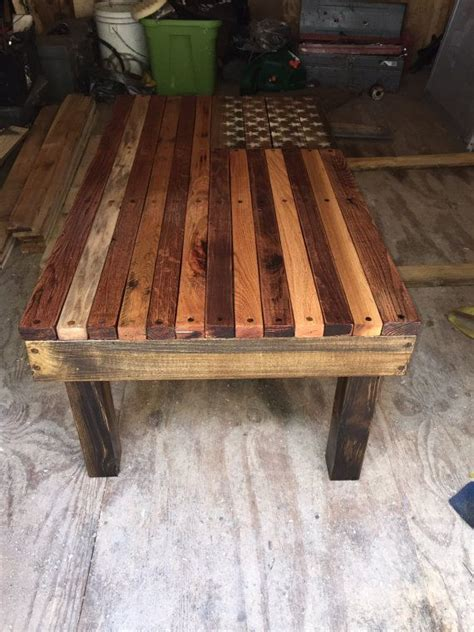 This coffe table was made entirely from a reclaimed wood pallet! American flag coffee table | Flags, Coffee and Etsy