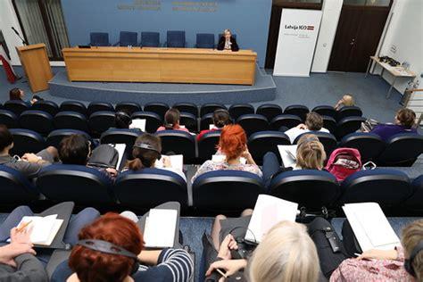 ĀM norisinās Latvijas konsulāro lietvežu mācības vīzu jaut ...