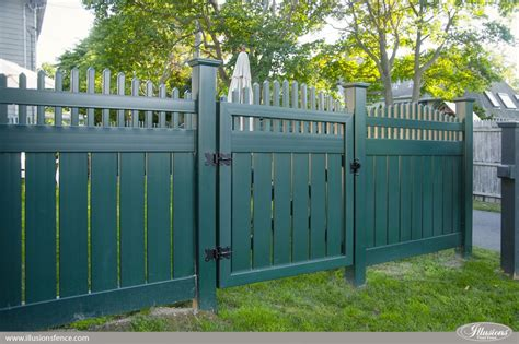 accent gates make fence installs look great