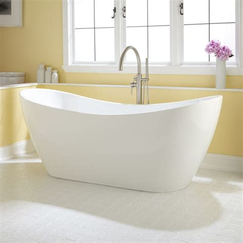 Corner Stand Alone Tub by 17 Best Ideas About Stand Alone Tub On Stand