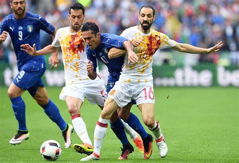 Raillé puis loué, unai simon le nouvel ange gardien de la roja. Euro 2016 : l'Italie élimine le tenant du titre espagnol ...