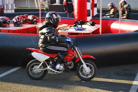 circuit circuit gt salon de la moto les enfants sur le circuit honda