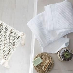 Parure De Bain : parure de bain lagune parures de bain fantaisie carre blanc ~ Teatrodelosmanantiales.com Idées de Décoration