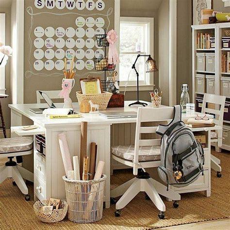 bureau en m騁al aménager un coin bureau dans la chambre ado 30 idées