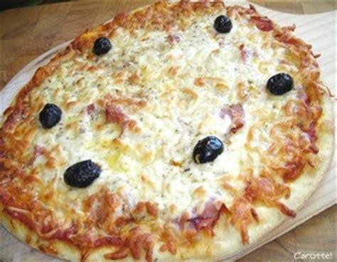 pizza en 10 233 longues et laborieuses la bouche pleine
