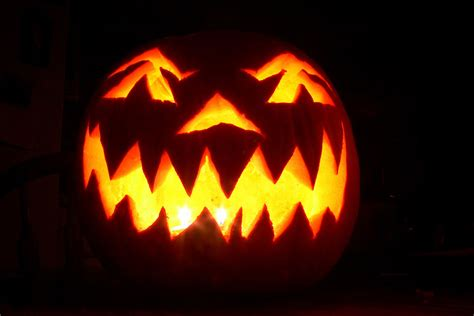 easy scary o lantern happy healthy halloween candy alternatives for the kiddies earth eats indiana public media