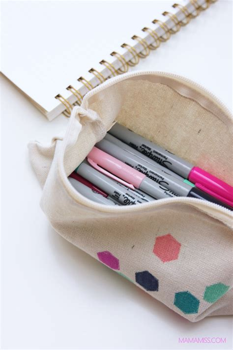 diy pencil case tutorials   perfect  school