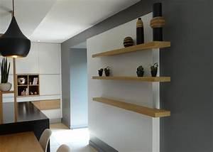 Etagere Blanche Et Bois : 2tag res en bois en d calage du mur blanc un amour de maison ~ Teatrodelosmanantiales.com Idées de Décoration