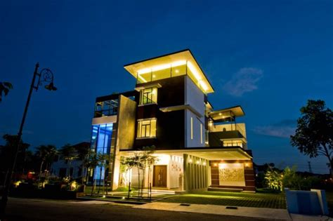 story house  malaysia  stunning views   roof terrace