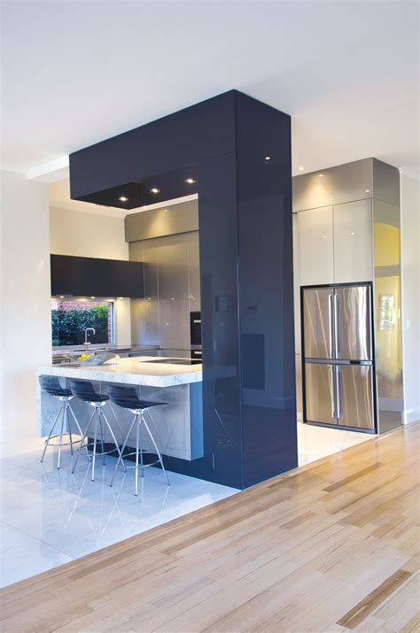 Architectural wonder: contemporary kitchen   Completehome
