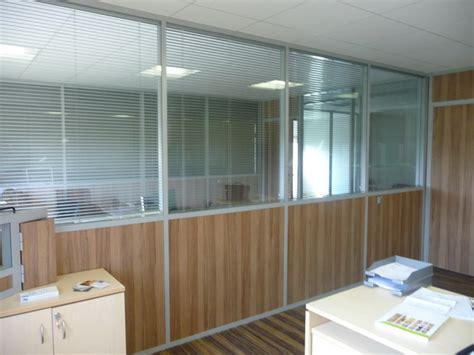 cloison amovible de bureau gt cloison amovible modulaire de bureau am 233 nagement de bureau