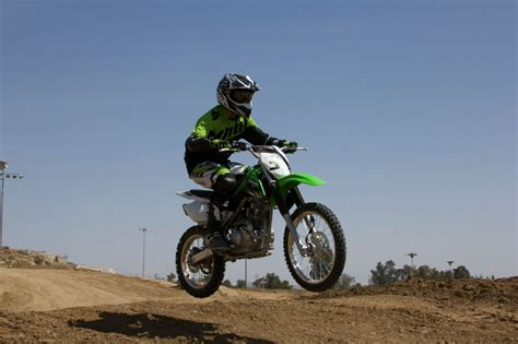 how to jump a motocross bike kawasaki taught me how to jump a dirt bike and survive