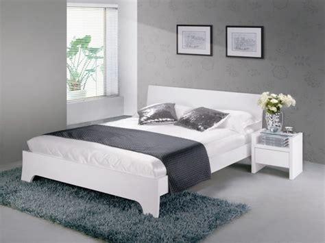 chambre gris blanc chambre a coucher grise et blanche