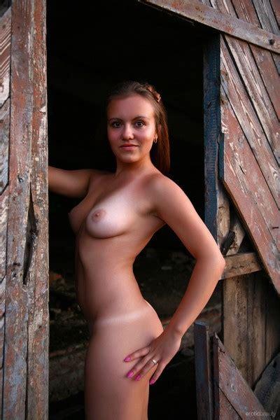 Varya Nude In Photos From Erotic Beauty